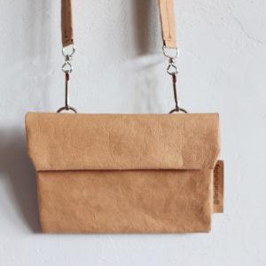 mała torebka na ramię z papieru do szycia