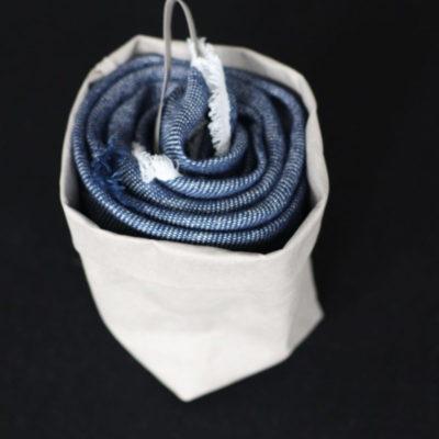 chusta lniana niebieski melanż w odcieniu klasycznego jeansu