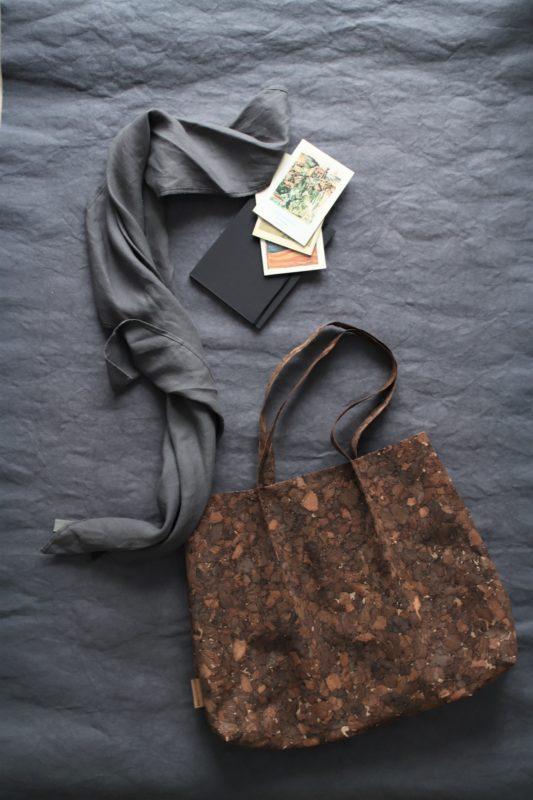 Naturalna tkanina korkowa - wegańska skóra - Torby i akcesoria, naturalnie. Len, papier, upcycling.