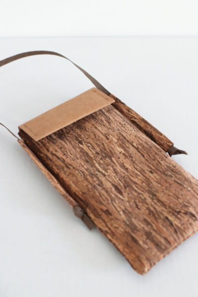 mini torebka na telefon i karty